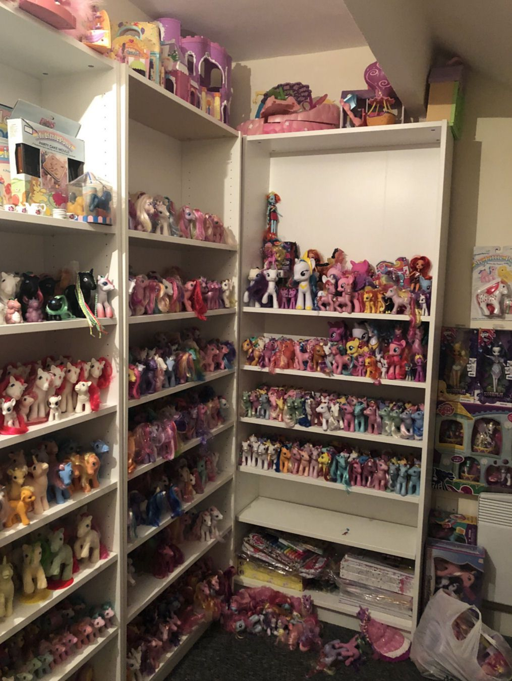 Pony Room (Dec 2018)